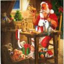 Дед мороз рукодельничает