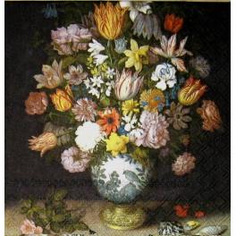 букет в старинной вазе