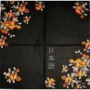черный японский шелк в цветами