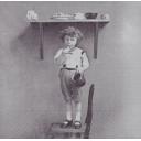 мальчик на стуле Sagen Vintage