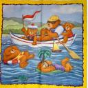 семья мишек на море