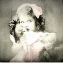 девочка с куклой SAGEN VINTAGE