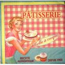Девушка с пирогом